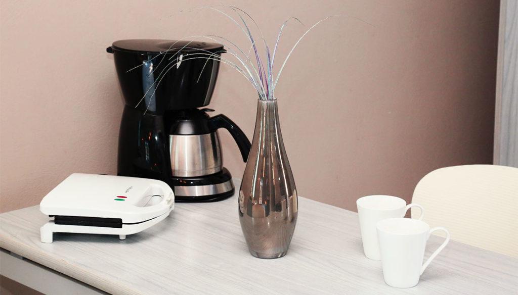 Καφετιέρα και τοστιέρα για το ιδανικό πρωινό